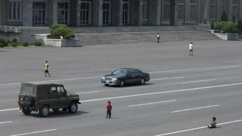 Giao thông ở Bình Nhưỡng thưa thớt, không có nhiều ô tô đi trên đường.