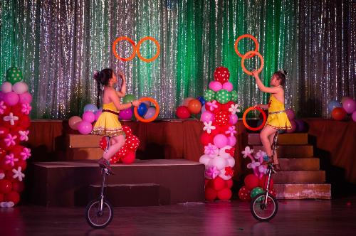Show diễn Xiếc Siêu nhí vui hè được các bé nhiệt liệt hưởng ứng.