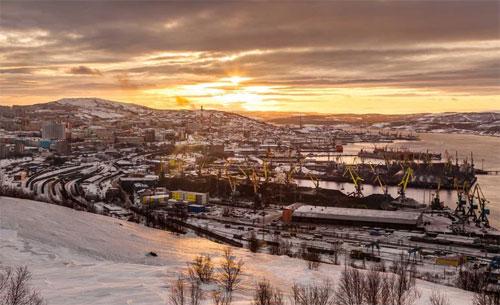 Với người dân ở thành phố Murmansk, việc hàng tháng trời sống trong điều kiện không có ánh sáng mặt trời là điều hết sức bình thường. Ảnh:Travelandleisure.