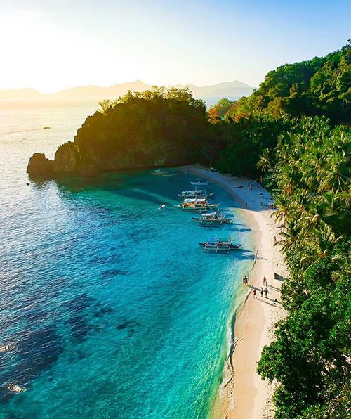 5 biển đảo gần Việt Nam cho khách du lịch bụi dịp hè