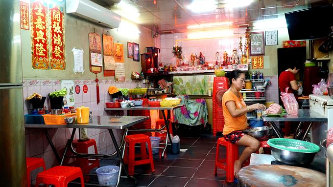 5 quán ăn ở Sài Gòn nổi danh từ gánh hàng rong - WinWay