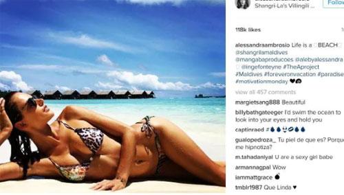 Trên ảnh là siêu mẫuAlessandra Ambrosio, sở hữu tài khoản có 9.3 triệu người theo dõi. Bức ảnh cô chụp tại Shangri-Las Villingili Resort ở Maldives. Ảnh: News.