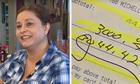 Nữ bồi bàn được tip 3.000 USD vì một nụ cười