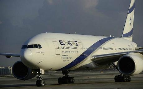 Đại diện hãng hàng không cho biết họ phủ nhận việc phân biệt để hai nữ hành khách chuyển chỗ là hành độngphân biệt giới tính. Hãng cũng cho biết luôn cố gắng phục vụ càng nhiều hành khách càng tốt. Ảnh: Times of Israel.