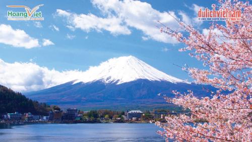 Núi Phú Sĩ - Biểu tượng linh thiêng của đất nước Nhật Bản.