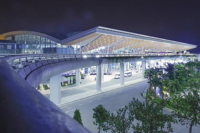 Nhà ga quốc tế Đà Nẵng chật kín khách Hàn Quốc