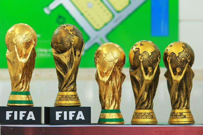 Người đàn ông sản xuất 'cup vàng' World Cup ở Sài Gòn