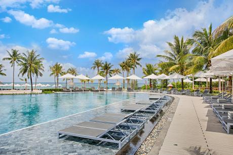 Trong những năm gần đây, để đáp ứng nhu cầu nghỉ dưỡng không ngừng nâng cao và đổi mới của du khách, nhiều khách sạn, resort đã tạo được dấu ấn riêng với không gian đẹp, dịch vụ tiện nghi bên cạnh mức giá đặt phòng hợp lý, tiết kiệm.