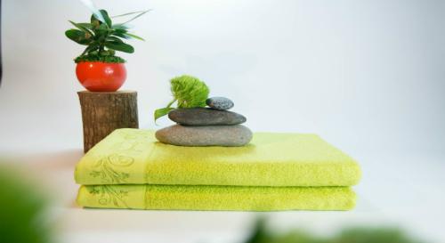 Ngoài ra, những chiếc khăn sẽ là trợ thủ đắc lực để bạn có những bức ảnh sống ảo.