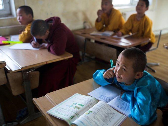 Cuộc sống trong tu viện biệt lập giữa thảo nguyên Mông Cổ
