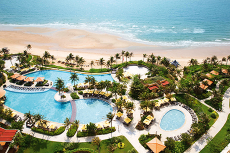 The Grand Hồ Tràm StripThe Grand Hồ Tràm Strip là một khu nghỉ dưỡng phức hợp nhiều lần được vinh danh trên các bảng xếp hạng, trong đó có giải Khách sạn sang trọng nhất Việt Nam 2015 do tạp chí Business Destination bình chọn.