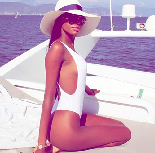 Vanessa Chironga, 29 tuổi, là một trong hai con gái của trùm bất động sản, chính trị gia Zimbabwe Philip Chiyangwa. Ông Chiyangwa là cháu trai trong họ hàng của ông Mugabe, sở hữu khối tài sản gần 300 triệu USD. Ảnh: Instagram.