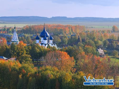 Sắc thu mê hồn bủa vây các công trình tôn giáo ngoạn mục ở thành phố di sản thế giới Suzdal - Nga.