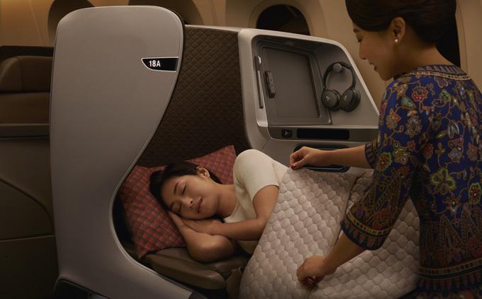 Trải nghiệm máy bay Boeing 787-10 Dreamliner đầu tiên đến TP HCM