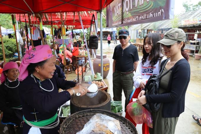 trai-nghiem-le-hoi-van-hoa-am-thuc-tay-bac-2018-tai-fansipan