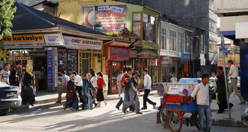 Các nhà hàng ăn sáng theo phong cách Van được mở ra khắp nơi tại các thành phố lớn như Istanbul và Ankara. Ảnh: BBC.