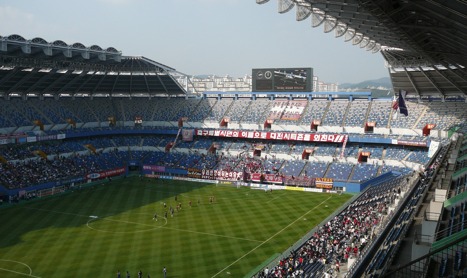 Daejeon-World-Cup-Stadium-wiki-6206-7879