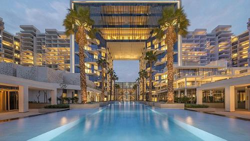 Du khách Anh cho biết mình nghỉ tại khách sạn 5 sao Palm Jumeirah, nơi thường đón nhiều ngôi sao quốc tế. Ảnh:Pinterest.