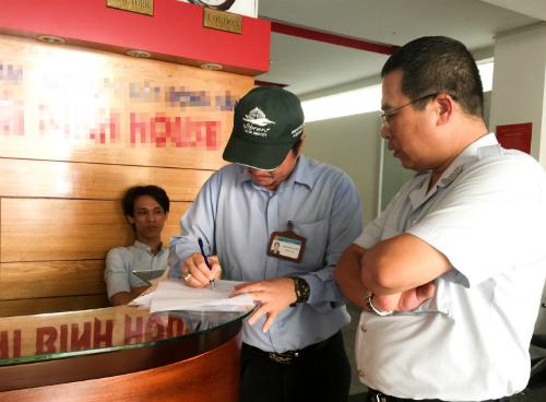 Đoàn thanh tra Sở Du lịch TP HCM lập biên bản về tình trạng hoạt động của Golux.