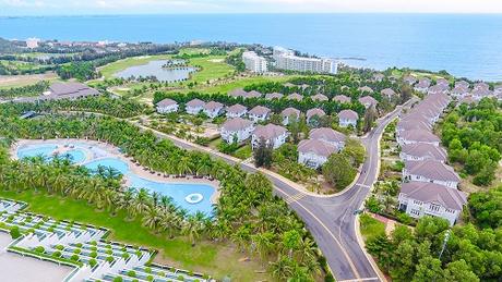 Khu resortsẽ mang đến cho gia đình bạn những hoạt động vui chơi gắn kết trên bãi biển, tràn ngập tiếng cười.