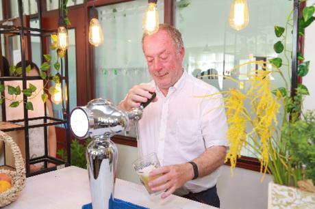 Ông Eddy Van Der Heggen có hơn 40 năm kinh nghiệm làm việc tại thương hiệu bia trắng lâu đời và số 1 nước Bỉ - Hoegaarden.