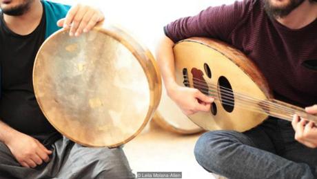Syria không chỉ ghi dấu những kí hiệu âm nhạc đầu tiên của loài người, nơi đây còn sáng tạo ra nhiều nhạc cụ độc đáo. Ảnh:Leila Molana-Allen.