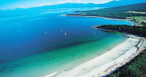 Canada có đường bờ biển dài nhất thế giới, với 356.000 km. Bạn sẽ mất khoảng 4 năm rưỡi không ăn, không ngủ và đi liên tục mới đi hết được chiều dài bờ biển của quốc gia này. Ảnh:Narcity.