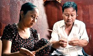 Đôi vợ chồng ở Sài Gòn làm 3.000 lồng đèn mỗi mùa Trung thu