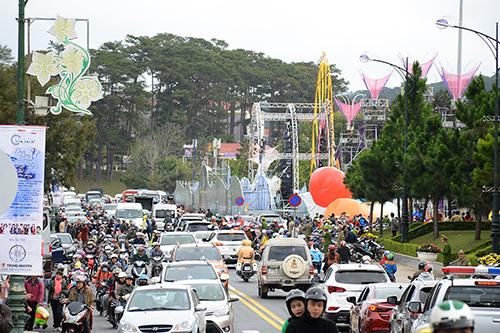 Du khách tập trung đông về Đà Lạt dịp Festival cuối năm 2017. Ảnh: Phong Vinh.