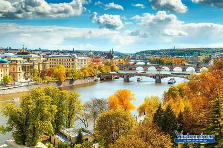 Không gian đẹp như tranh vẽ của thành phố vạn tháp Prague, Czech.