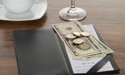 Lý do không nên cho phục vụ tiền tip