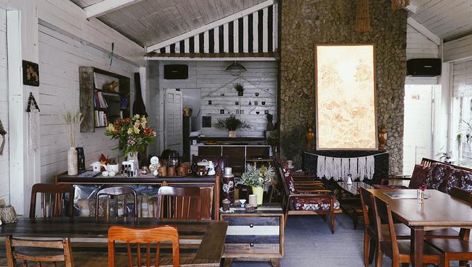 Tiệm cà phê hoa hồng của cô gái rời Sài Gòn lên sống ở Đà Lạt