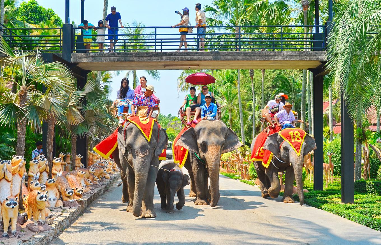 Bên trong công viên đẹp nhất Thái Lan