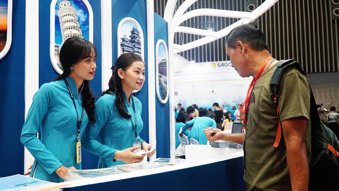 Hội chợ du lịch quốc tế lớn nhất TP HCM ngày đầu đón khách