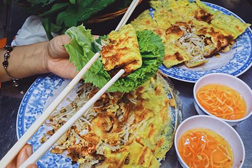 Mỗi suất ăn có giá dao động 30.000 - 50.000 đồng. Ảnh: Linh Sea.