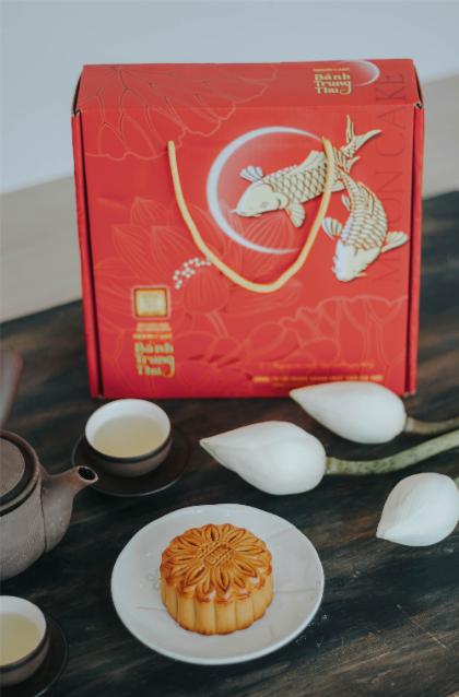 Cũng bởi cái hồn cốt rất truyền thống, rất dân tộc mà mỗi độ Trung thu, khi muốn chọn cho mình loại bánh phù hợp, người Hà Nội lại nghĩ ngay về những chiếc bánh nướng, bánh dẻo cổ truyền.