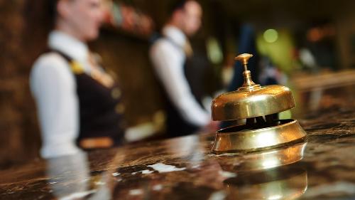 Giữa các khách sạn hạng sang tại Đà Nẵng đang ngầm hình thành cuộc cạnh tranh quyết liệt để thu hút khách hàng thuộc phân khúc này.