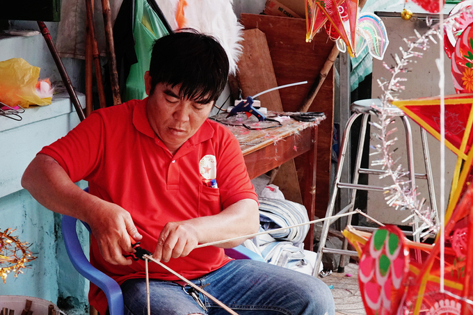 Phố lồng đèn lớn nhất Sài Gòn vào vụ duy nhất trong năm
