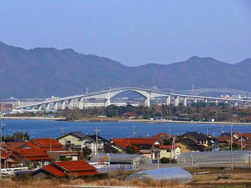 Cây cầu nhìn đã toát mồ hôi tay ở Nhật Bản - 2