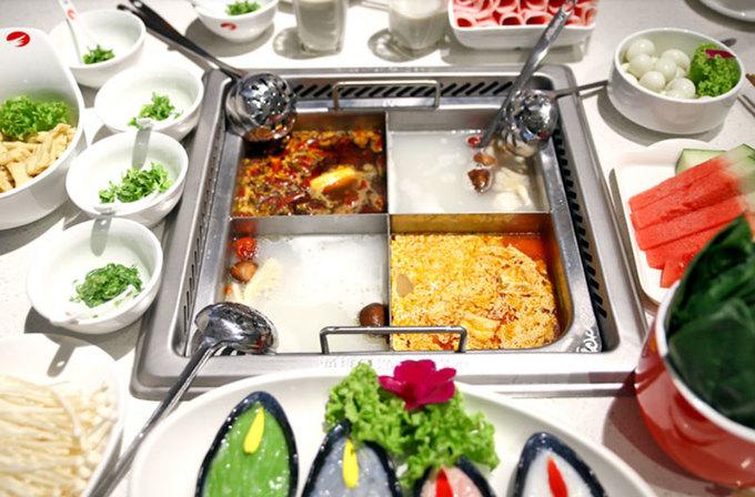 Những dịch vụ kỳ quặc trong nhà hàng lẩu Trung Quốc