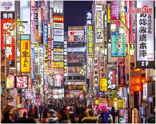 Những biển hiệu rực rỡ ở đường phố Tokyo.