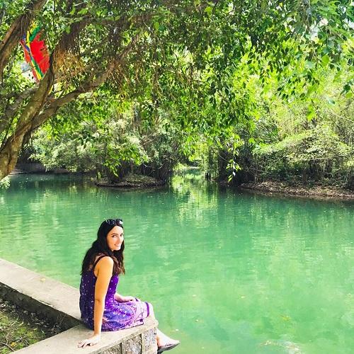 Laura thăm Ninh Bình. Ảnh: Wander with Laura.