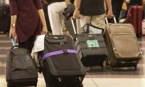 Mang hành lý quá cân khi bay phải làm sao?