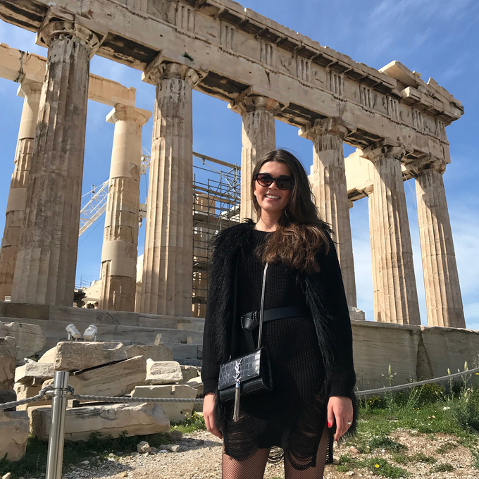 Những chuyến đi khắp thế giới qua Việt Nam của Hoa hậu Scotland