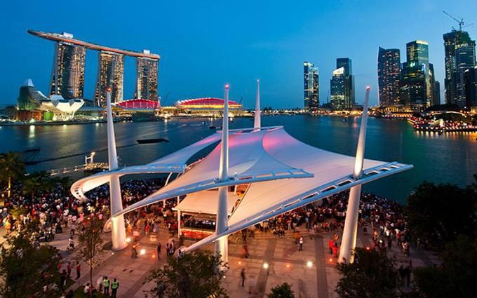 Nhà hát thiết kế một kiểu, dân nhìn thành hình khác ở Singapore