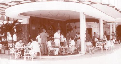 Quán bar sân thượng lâu đời nhất Sài Gòn - ảnh 1