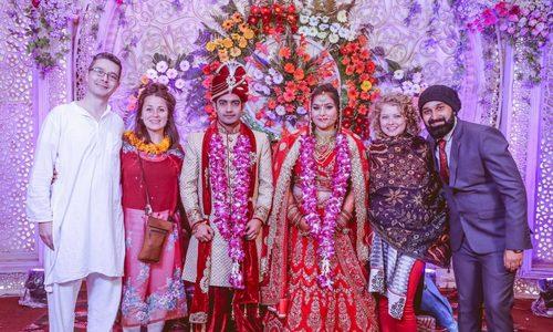 Mời khách Tây ăn cưới - mốt kiếm tiền mới của dâu rể Ấn Độ