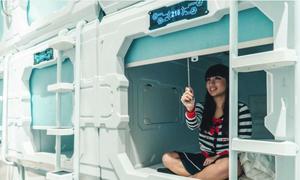 Khách sạn cho khách ngủ như phi hành gia ở Singapore