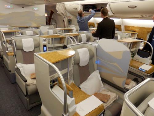 Ghế thương gia trên hãng bay của Dubai. Ảnh minh hoạ: Luxury Travel Diary.