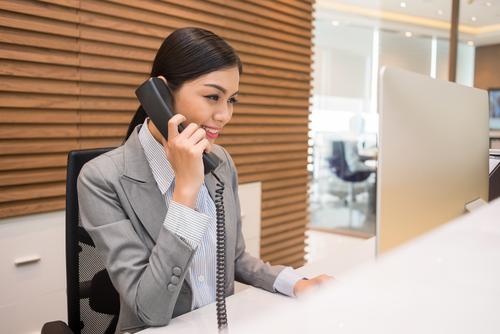Thông thường, nếu bạn liên hệ trực tiếp, nhân viên sẽ vui vẻ cho bạn tham khảo giá và đưa ra những lựa chọn hợp lý nhất. Ảnh: Readers Digest.